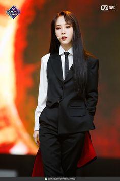Kpop Girl Groups, Korean Girl Groups, Kpop Girls, K Pop, Divas, Mamamoo Moonbyul, Rapper, Pop Bands, Rainbow Bridge