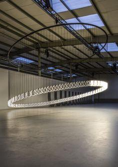 Studio Stallinga light sculpture chain reaction
