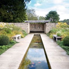 Modern stone garden Garden design idea love all but the wall Modern Garden Design, Landscape Design, Buchart Gardens, Saint Sauveur, Ponds Backyard, Garden Pool, Water Features In The Garden, Garden Images, Garden Structures