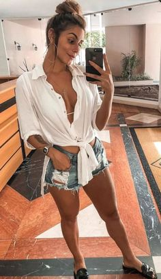 60 magical summer outfits to copy right now 72 Litledress Summer Vacation Outfits, Cute Summer Outfits, Outfit Strand, Look Con Short, Jumper Outfit, Look Retro, Girl Fashion, Fashion Outfits, Destroyed Jeans