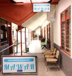 Dalam 2 bulan ini kami melakukan pembenahan bangunan fisik di panti, beberapa lokasi kami kerjakan untuk penyempurnaan diantaranya adalah Kantor Panti, Peninggian lantai dan pemasangan keramik baru untuk 5 ruang tidur, ruang makan, koridor sisi barat dan timur, Penggantian 20 buah kursi di ruang aula, Pembuatan Rak Buku Pustaka. Dalam pembiayaan, kami mendapatkan bantuan donasi dari PT Danareksa (Terbuka) Jakarta dalam Program Kemitraan dan Bina Lingkungan.