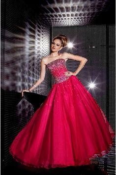 Beading Glamorous And Elegant Burgundy Strapless Natural Prom Evening Dress