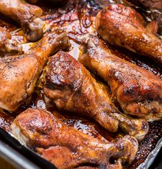 Slow Cooker Sticky Chicken Drumsticks are a little sweet, sticky, and have lots of Asian flavor. Easy to make in your crock pot! Sriracha Chicken, Sticky Chicken, Chicken Drumsticks, Marinated Chicken, Greek Recipes, My Recipes, Healthy Recipes, Savoury Recipes, Cookbook Recipes