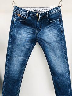 Looks Jeans, Denim Jeans Men, Denim Fashion, Jeans Style, Trousers, Menswear, Shorts, Sandals, Coat