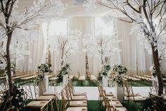 You Will Fall in Love with This Regal Filipiniana Wedding in Bataan! Filipiniana Wedding Theme, Wedding Dresses, Luxury Wedding, Dream Wedding, Minimalist Gown, Wedding Blog, Wedding Stuff, Wedding Ideas, Bride And Breakfast