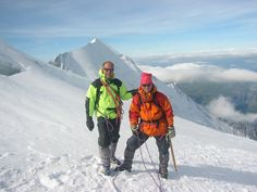 For a newbie go to Mont Blanc in the company of expert guides is a unique experience. Para un novato ir al Mont Blanc en compañía de guías expertos es una experiencia inigualable.