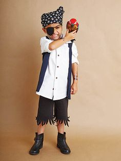 These kids halloween costumes are faster than the lineup at the party store and easier than one of those fancy pumpkin-carving stencils. Halloween Costumes Kids Homemade, Most Popular Halloween Costumes, Purim Costumes, Toddler Costumes, Family Costumes, Costume Ideas, Pirate Costume Easy, Pirate Halloween, Halloween Kids