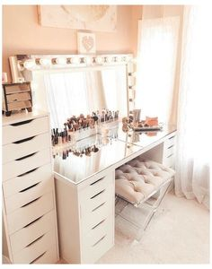 Small Dressing Rooms, Dressing Room Decor, Dressing Room Design, Ikea Dressing Table, Dressing Table Mirror Design, Shabby Chic Dressing Table, Makeup Dressing Table, Beauty Room Decor, Makeup Room Decor