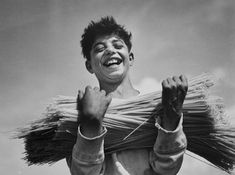 Boy carrying Dried Spaghetti (© Alfred Eisenstaedt)