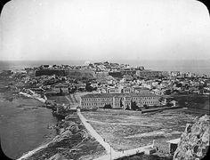Ρέθυμνο, τέλη 19ου αιώνα. Crete Island, Simple Photo, Culture, Once Upon A Time, Railroad Tracks, Paris Skyline, City Photo, Greece, The Past
