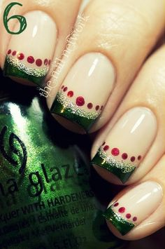 24 Inspiring Christmas Nail Art