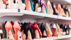 Compra zapatos en Privicompras y ahorra en tus tiendas favoritas: ASOS, Sarenza, Zalando. Large Size Shoes, Customer Behaviour, Diy Shoe Rack, Shoe Storage, Types Of Heels, Shoes Too Big, Shoe Size Conversion, Shoe Brands, Dillards