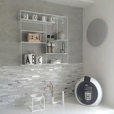 String shelf, arne jacobsen letters, nicholas vahé, hay square #shelfie #brukadesign