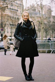 #MelissaTammerjin getting back to black #offduty in Paris. #VanessaJackman