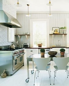 Ditto :: A Modern Colonial Kitchen. The mix of high quality materials metals and clean lines make this modern colonial kitchen a to-die-for space; worthy of a ditto! Swedish Kitchen, Classic Kitchen, Colonial Kitchen, New Kitchen, Kitchen Decor, Modern Colonial, Rustic Kitchen, Kitchen Ideas, Kitchen Colors
