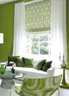 How green are you ? Green & white So fresh Love the print roman shade and sheer panels