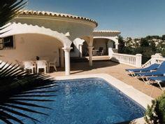 Luxe 6 pers. villa met privé zwembad en een panaramisch uitzicht over de valleiVakantieverhuur in Moraira van @homeaway! #vacation #rental #travel #homeaway