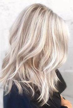 Light Blonde Hair, Blonde Hair Looks, Blonde Hair With Highlights, Brown Blonde Hair, Light Hair, Red Hair, Short Platinum Blonde Hair, Light Blonde Balayage, Platinum Highlights