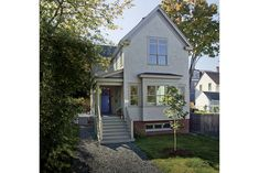 At 1600 sq. ft., this year's best small home, is designed by Anne Callender of Whipple-Callender Architects.