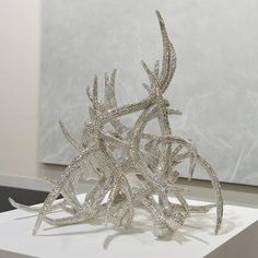 oth a hunter and an artist, Marc Swanson has established a body of work around a breathtaking set of bedazzled crystal deer-antler sculptures. Deer Skulls, Deer Antlers, Decorating Jobs, Antler Art, Rustic Decor, Western Decor, Country Girls, Horns, Swarovski Crystals