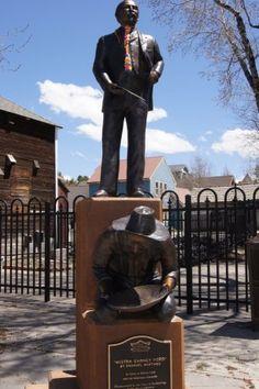 #Yarnbomb tie in Colorado.