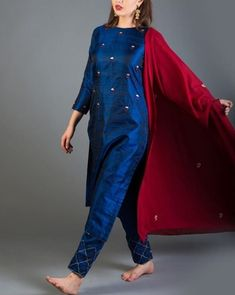 Salwar Designs, Kurta Designs Women, Blouse Designs, Pakistani Dresses, Indian Dresses, Indian Outfits, Casual Dresses, Fashion Dresses, Kurta Neck Design