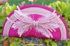 Este bolso habla por si sólo que lo que su dueña me llegó a inspirar para lograr una belleza fuera de lo normal. PRECIOSO, así de hermosa la vi y la sentí.  www.tocadosmama.com T. 628 532 319 mariajose@tocadosmama.com