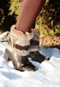 Tutorials | Urban Threads: Upcycled furry boots - wonder if I could use the same concept to trick out an old pair of suede clogs that I never wear?