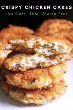 Crispy Chicken Cakes || Low Carb and THM - My Table of Three Meat Recipes, Low Carb Recipes, Cooking Recipes, Healthy Recipes, Recipes Dinner, Low Carb Chicken Recipes, Keto Chicken, Recipes For Canned Chicken, Gastronomia