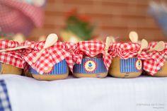 Festa da Galinha Pintadinha Inspiração, idéias, Bolo, cupcake, brigadeiros, doces, docinhos, vidro de papinha www.stephaniadeflorio.com.br