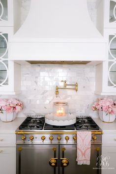 la cornue fe range in white kitchen - Valentine's Day Kitchen Tour – Randi Garrett Design - Home Decor Kitchen, New Kitchen, Home Kitchens, Kitchen Design, Awesome Kitchen, Kitchen Ideas, Kitchen Nook, Kitchen On A Budget, Kitchen Layout