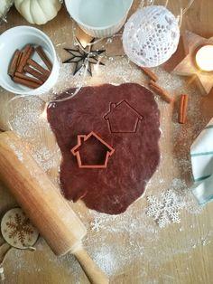 Gingerbread House # 2 - New Ideas Chistmas Cookies, Christmas Cookies Packaging, Grinch Cookies, Vegan Christmas Cookies, Christmas Cookie Cutters, Gingerbread Cookies, Fondant, House 2, Crochet Christmas Wreath