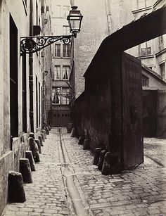 """""""Charles Marville: Photographer of Paris,"""" September Metropolitan Museum of Art. """"Charles Marville, Photographer of Paris,"""" January 2014 Vintage Photographs, Vintage Photos, Rue Montorgueil, Musee Carnavalet, National Gallery Of Art, Paris Photography, French Photographers, Vintage Paris, Belle Epoque"""
