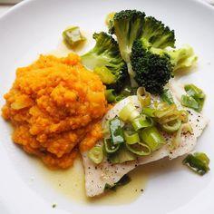 Fisk til middag er både enkelt og godt! I kveld ble det lyr stekt i panna på lav varme stappe av søtpotet kålrot og gulrot og brokkoli