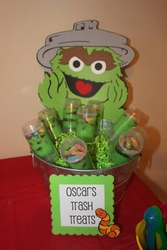 Sesame Street party - Oscar the Grouch trash treats. Baby 1st Birthday, Sons Birthday, 1st Boy Birthday, 3rd Birthday Parties, Birthday Ideas, Birthday Stuff, Seasame Street Party, Sesame Street Birthday, Sesame Street Cake