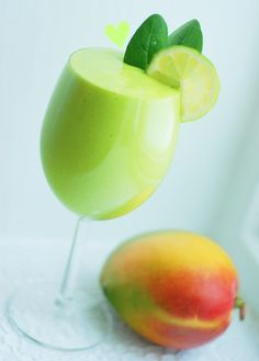 mango and lime smoothie