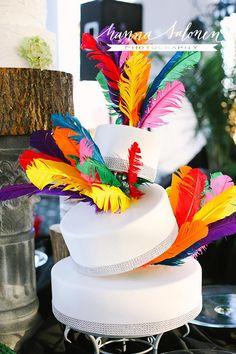 00fdd082e3f1 Tinker's Cake Shop at Bridal Bliss Evening Classic. Photo by Hanna Salonen.  Frankfort Kentucky