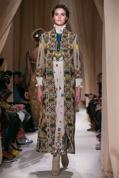 A look from the Valentino Spring 2015 Couture collection.