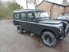 1975 Land Rover Series 3 109 Lwb V8 5 Door Station Wagon picture