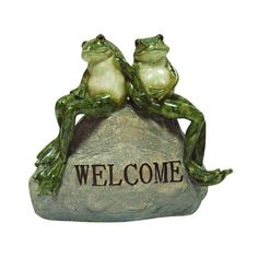 Frog Garden Statue Make the yard a place of wonder with a garden statue