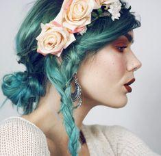"""21.4b Beğenme, 55 Yorum - Instagram'da Linda Hallberg (@lindahallbergs): """"Flowers in my hair 🦋🌸🌺"""""""
