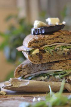 Sandwich cu vinete, sunca curcan si rucola - aventuriculinarein2