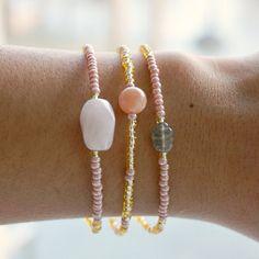 30 % de réduction  gemmes bracelets ensemble  par GenerosityDesigns Gemstone Bracelets, Bracelet Designs, Delicate, Gemstones, Handmade, Etsy, Jewelry, Fashion, Unique Jewelry
