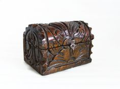 Pirate treasure chest, MINI, VINTAGE hand CARVED wood. Nautical home decor, Handmade carving, wooden, Jewelry gift box, Blue felt lining