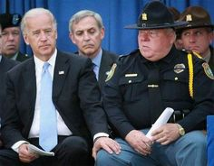 Jeff Sessions in a family photo op with Joe Biden. Biden is known for being creepy with young girls. Sessions is seen disallowing Biden from touching his young granddaughters. Pro Trump, Brave, Creepy Joe Biden, Conservative Memes, Political Memes, Funny Politics, Political Views, Funny Stories, Obama