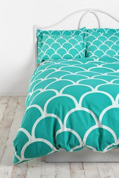 turquoise scallop bedding