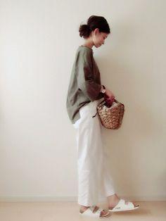 nonさんのTシャツ/カットソー「LOWRYS FARM USAコットンBIGTシャツ6分袖 567493」を使ったコーディネート Fashion Pants, Boho Fashion, Womens Fashion, Fashion Design, Hijab Fashion, Minimal Outfit, Minimal Fashion, Japan Fashion, Daily Fashion