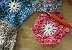 Crohet hexagon blanket, Scheepjes Stonewashed: free tutorial   Happy in Red