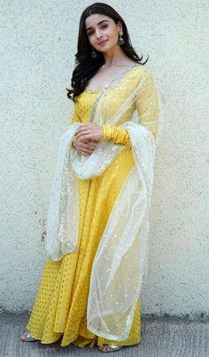 Buy Bollywood Alia Bhatt Yellow Nylone gown in UK, USA and Canada Designer Anarkali, Designer Kurtis, Indian Designer Suits, Designer Dresses, Gown Designer, Robe Anarkali, Costumes Anarkali, White Anarkali, Indian Anarkali