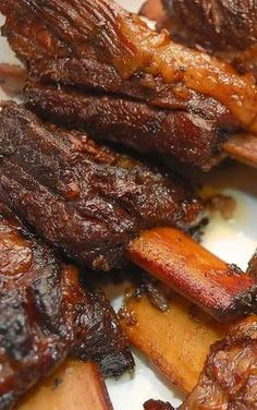 Braised Short Ribs Recipe - These flavorful short ribs perfectly illustrate how braised meat cooked on the bone can turn out succulent and tender enough to cut with a fork. Rib Recipes, Cooking Recipes, Cooking Games, Cooking Tips, Healthy Recipes, Cooking Corn, Smoker Recipes, Recipies, Mexican Recipes
